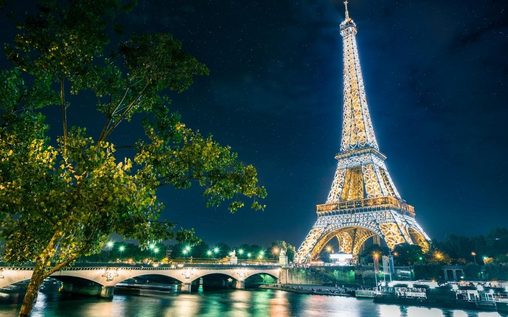 Hình ảnh Tháp Eiffel đẹp Lung Linh
