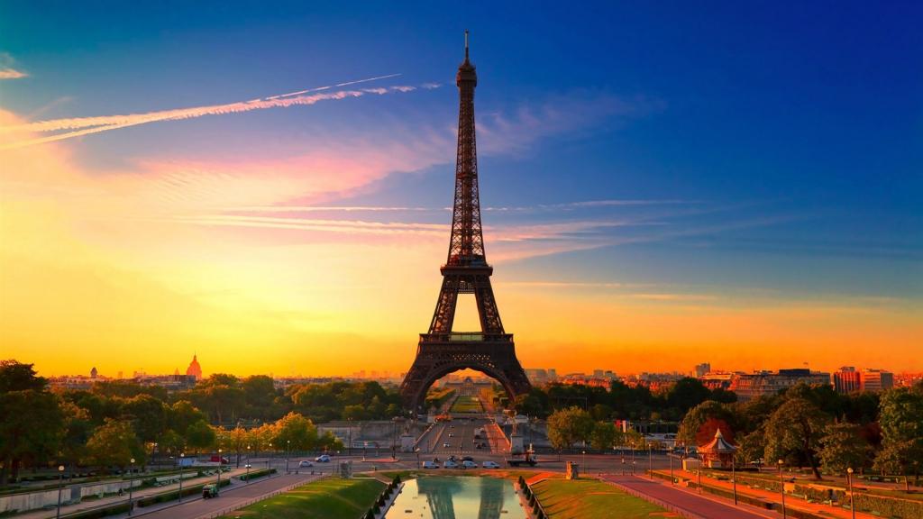 Hình Tháp Eiffel Vào Buổi Sáng