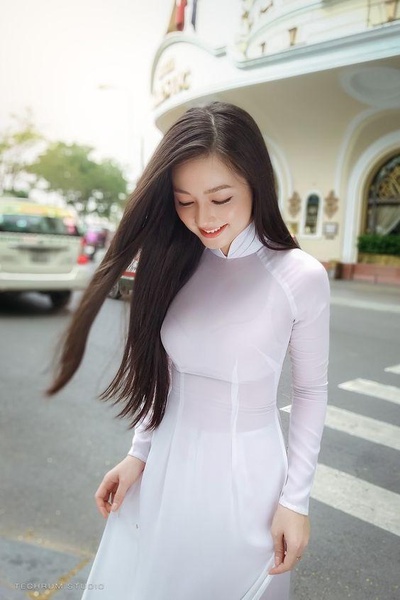 Hot Girl Mặc áo Dài đẹp