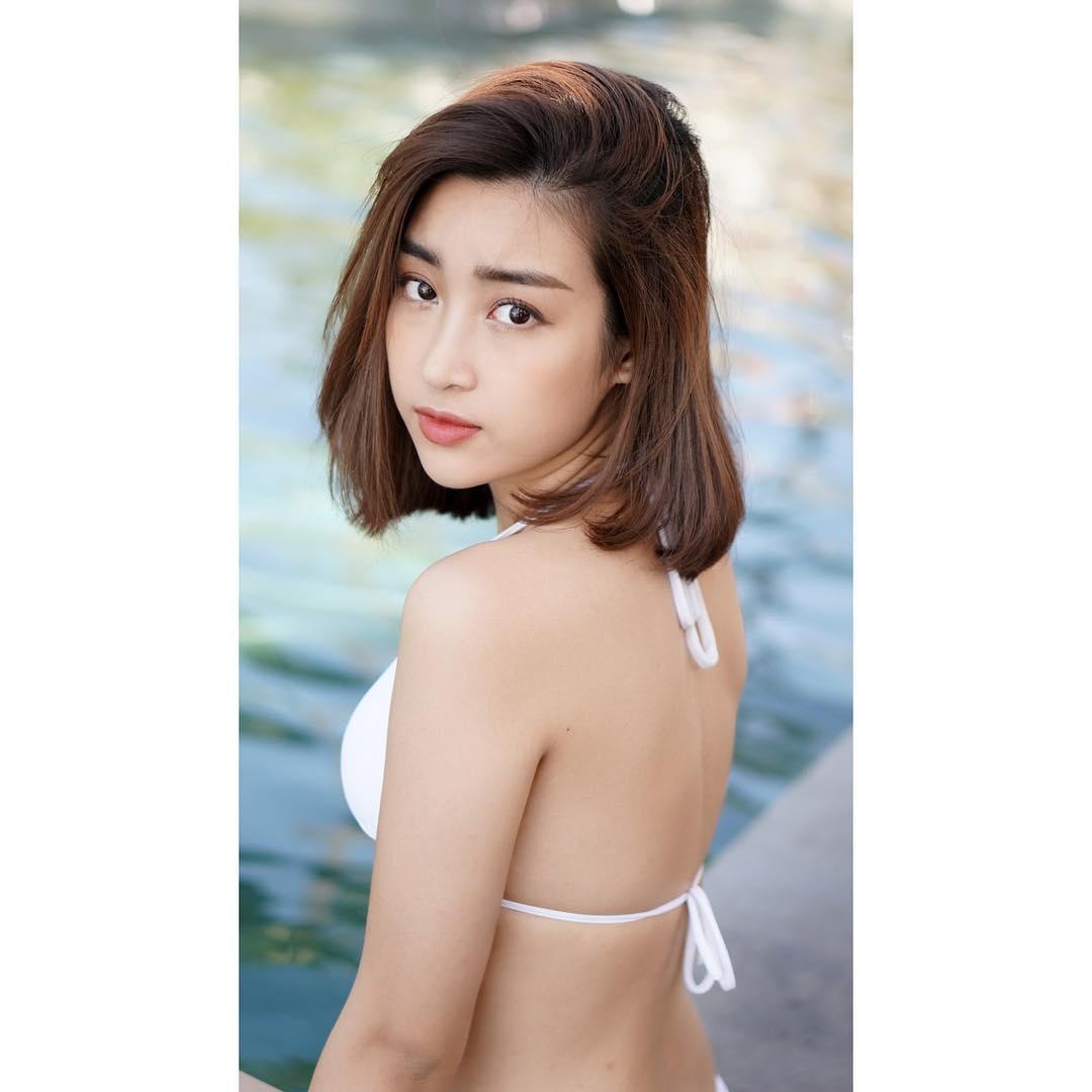 ảnh Hot Girl Tóc Ngắn Bikini đẹp